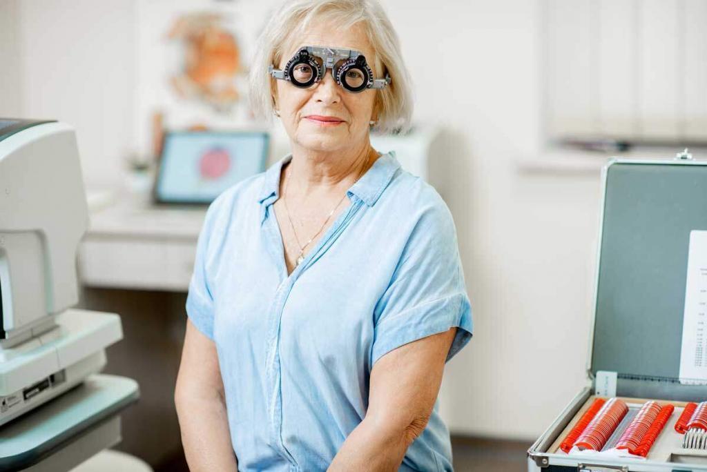 Yaşlılar ve Göz Muayenesi